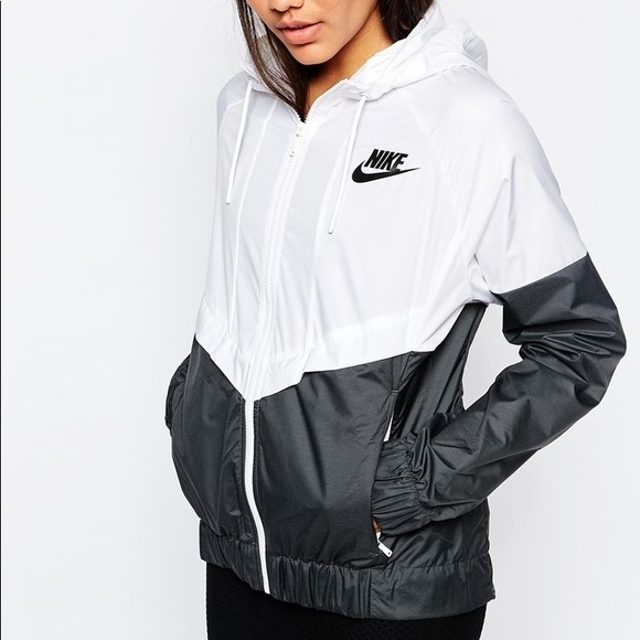 sleek the best san francisco Nike black and white wind runner windbreaker xs
